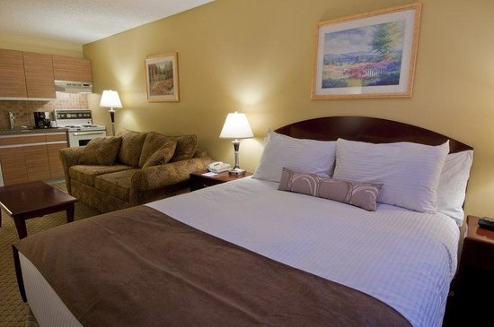 BEST WESTERN PLUS Kings Inn & Conference Centre: Guest Room