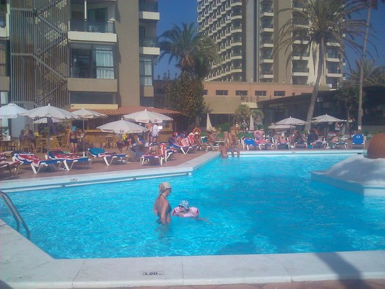 Sol Tenerife : Lower pool view