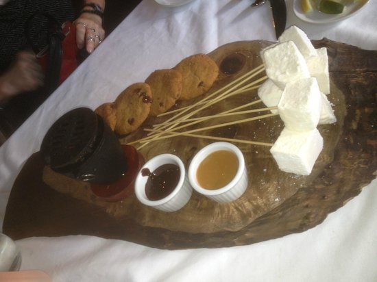 Burlington, Kanada: The S'Mores dessert special is something that has to be experienced.