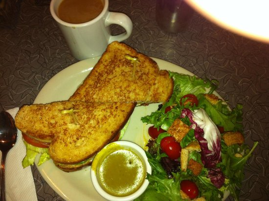 Sonora, Californie : The classic BLT and Salad/Great Coffee $9.44 w/tax