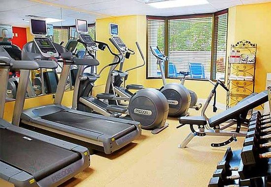 Courtyard Naples: Fitness Center