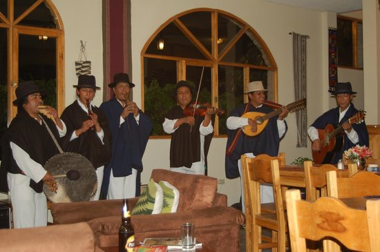 La Posada del Quinde: Local band on Friday nights