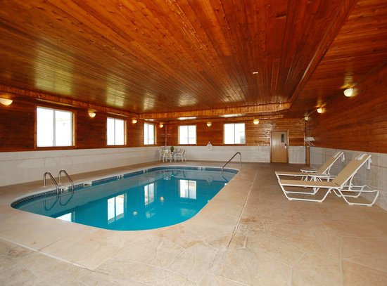 Morris, IL: Indoor Pool