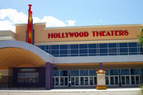 Crowne Plaza Jacksonville Airport Hotel: Hollywood Movie Theater - 14 Screens