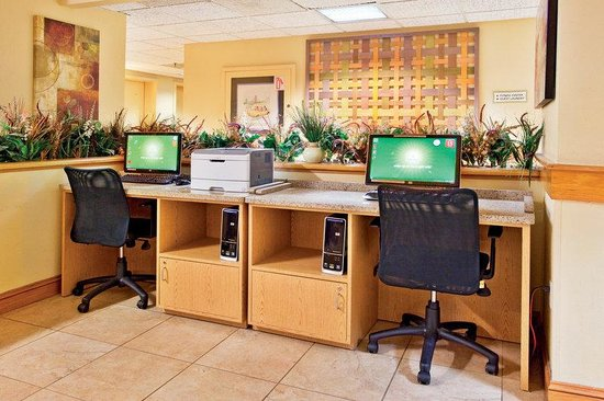 La Quinta Inn &amp; Suites Charleston Riverview: Business Center