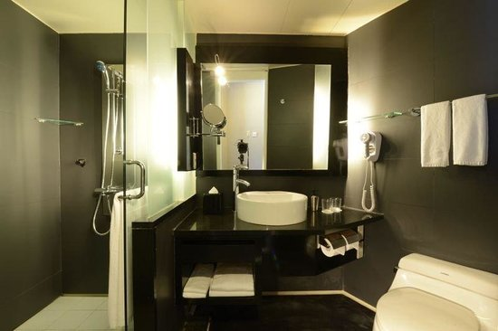 Pinnacle Apartments Canberra: Bathroom