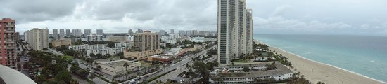 Doubletree by Hilton Ocean Point Resort & Spa - North Miami Beach : Vista Panoramica desde Habitacion