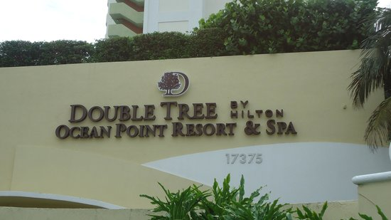 Doubletree by Hilton Ocean Point Resort & Spa - North Miami Beach : Entrada
