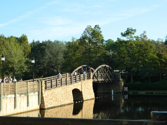 Disney&#39;s Port Orleans Resort - Riverside: bridge