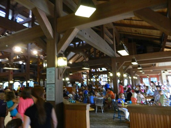 Disney&#39;s Port Orleans Resort - Riverside: buffet area