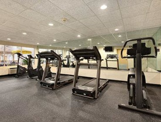 Ramada Plaza Louisville: Workout Room