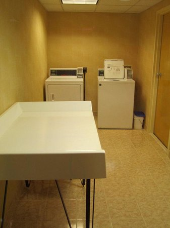 Holiday Inn Express Boston: Guest Laundry Facility with complimentary laundry detergent