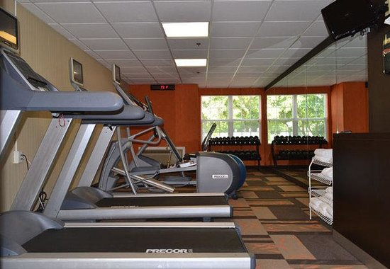 Courtyard Cape Cod Hyannis: Fitness Center