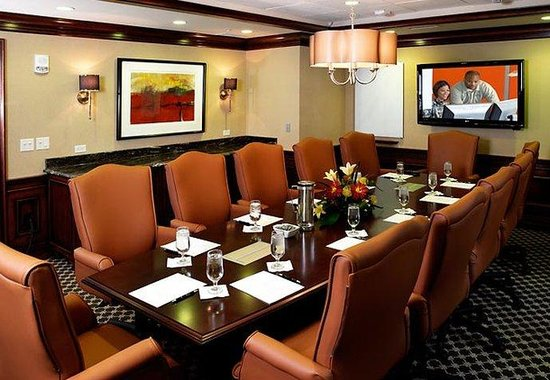The Raphael Hotel, Autograph Collection: Blue Beacon Boardroom