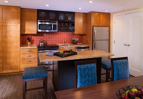 Riviera Beach, FL: Villa Kitchen