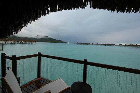 Le Meridien Bora Bora: photo after morning rain