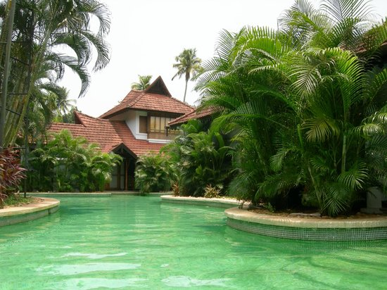 "Kumarakom Lake Resort: Piscine des ""Pool-Villas"""