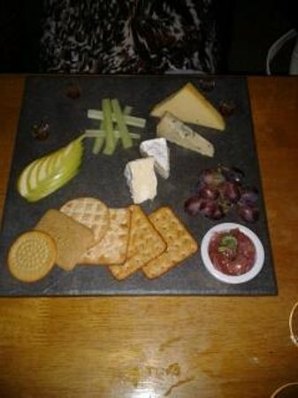 Tewkesbury, UK: cheese board