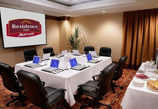Residence Inn by Marriott Toronto Downtown / Entertainment District: Windsor Boardroom