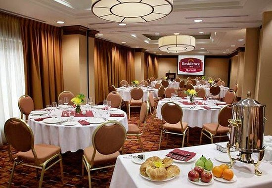 Residence Inn by Marriott Toronto Downtown / Entertainment District: Wellington Room