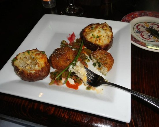 Boerne, TX: Crab Cakes (appetizer) with side order of twice baked potato