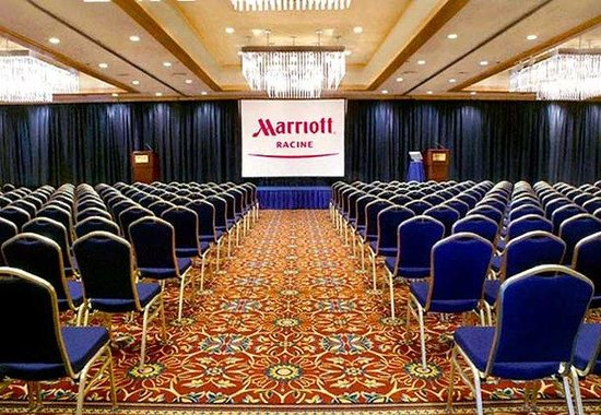 Racine, Wisconsin: Grand Ballroom Meeting