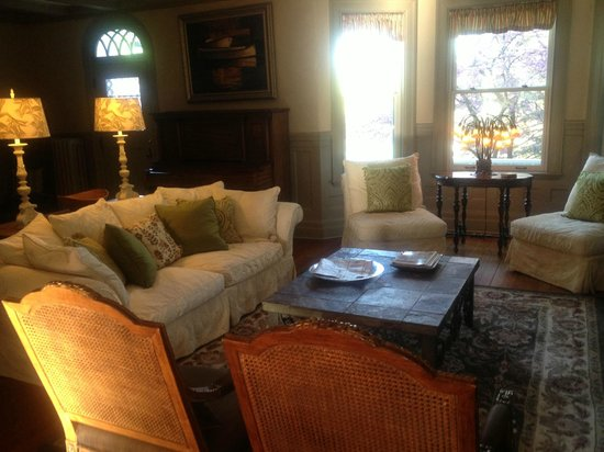 Greenfield, MA: One of their sitting rooms-so charming