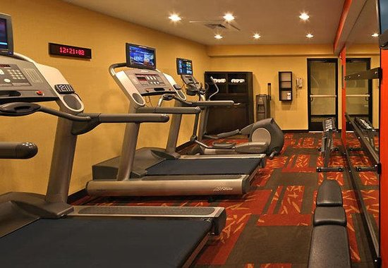 Cromwell, CT: Fitness Center