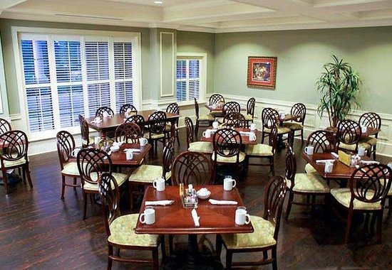 Courtyard by Marriott Charleston-Mount Pleasant: Palmetto Café Dining Area