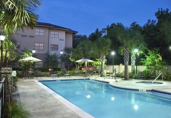 Courtyard by Marriott Charleston-Mount Pleasant: Outdoor Pool
