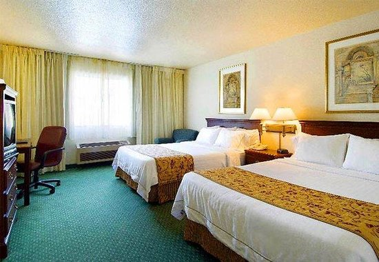 Courtyard by Marriott Modesto: Queen/Queen Guest Room