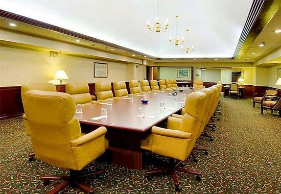 Courtyard by Marriott Modesto: Executive Boardroom