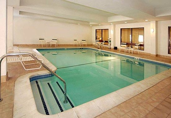 Courtyard Livermore : Indoor Pool 