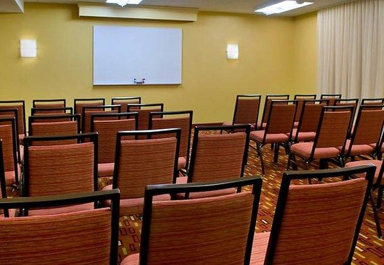 Red Bank, NJ: Meeting Room