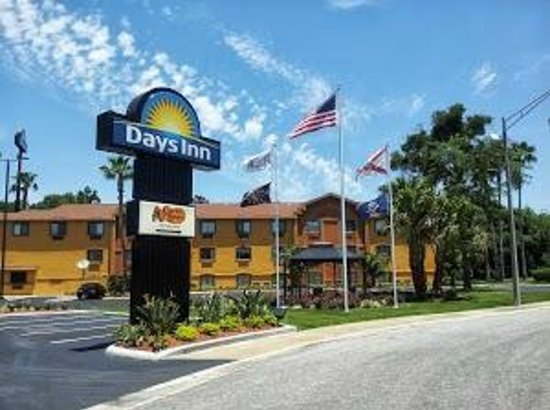 Days Inn Orange Park/Jacksonville: Eldridge Loop Entrance
