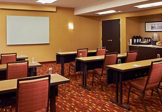 Highland Park, IL: Meeting Room