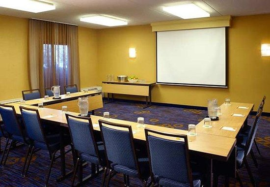 Courtyard Chicago Waukegan/Gurnee: Meeting Rooms