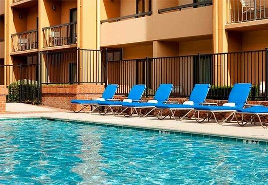 Courtyard by Marriott Dallas LBJ at Josey: Outdoor Pool