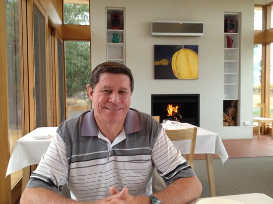 McLaren Vale, Australia: Hubby enjoying fireplace
