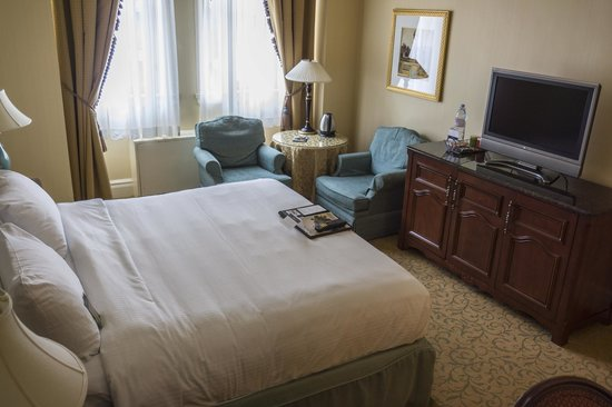Fairmont Chateau Laurier: room