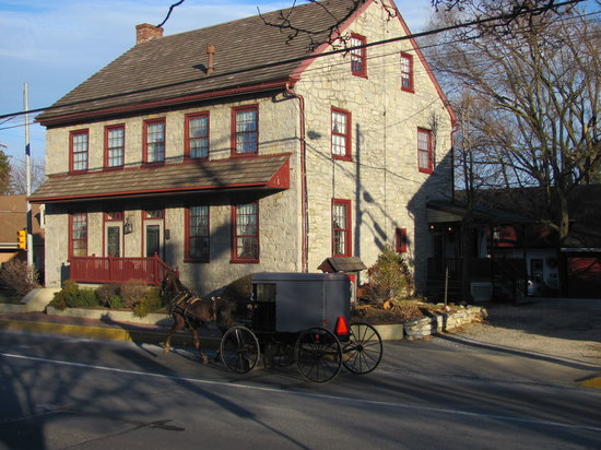 New Holland, PA: Country Hearth Bed and Breakfast