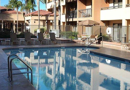 Courtyard by Marriott Tucson Airport: Outdoor Pool