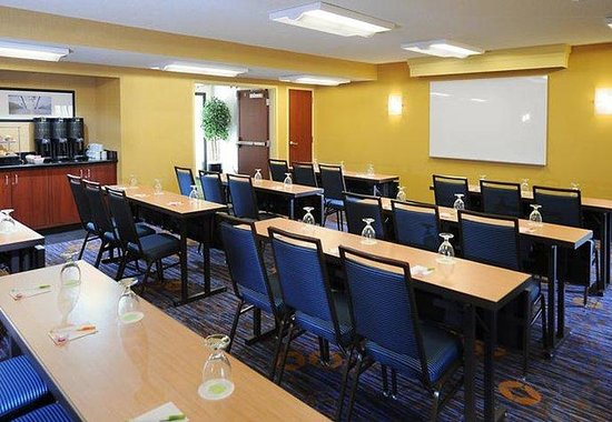Courtyard by Marriott Tucson Airport: Meeting Room  Classroom Style