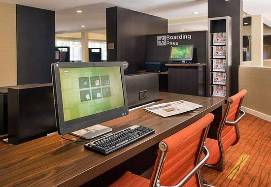 Courtyard by Marriott Phoenix Mesa: Business Library