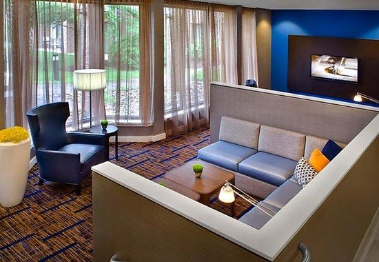 Courtyard Hartford Windsor: Home Theater