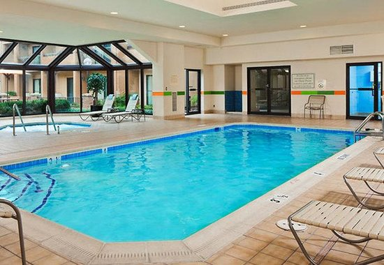 Courtyard by Marriott Baltimore BWI Airport: Indoor Pool