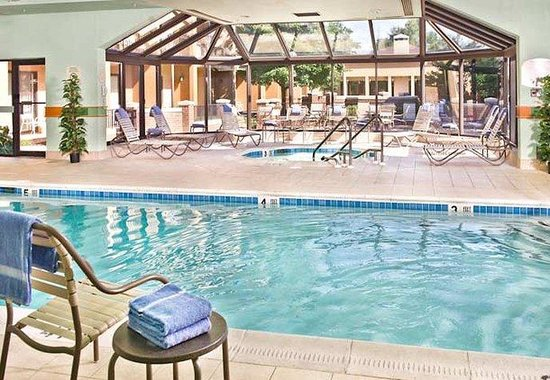 Courtyard by Marriott Annapolis: Indoor Pool &amp; Whirlpool