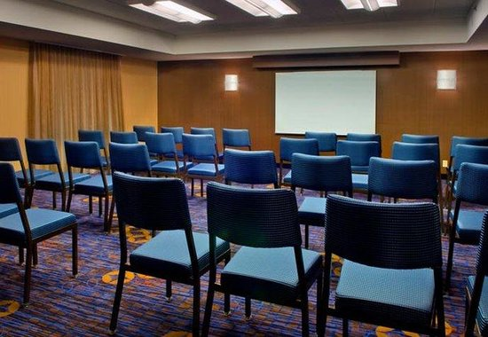 Foxboro, MA: Meeting Room