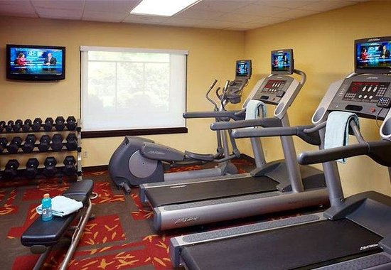 Courtyard by Marriott Louisville East: Fitness Center