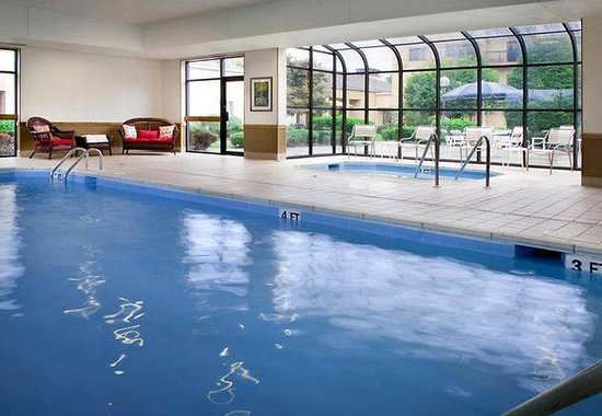 Courtyard by Marriott Fishkill: Indoor Pool & Whirlpool